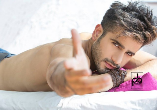 Video: Behind the shoot Praveen Bhat with Karan Tacker