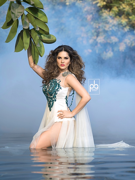 Sunny Leone Shoot With Praveen Bhat