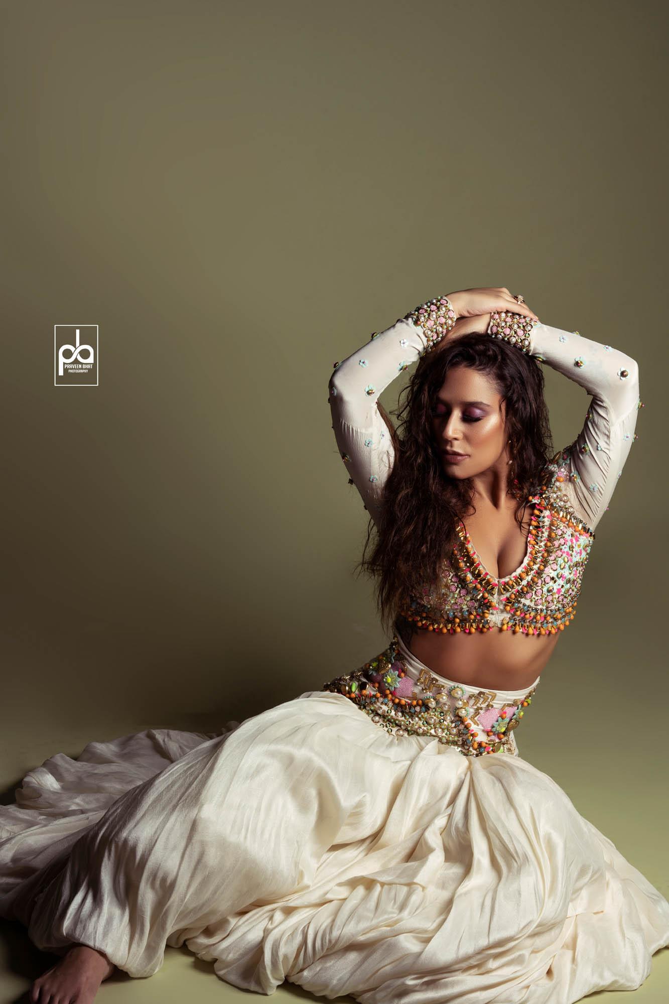 Female Modeling Delhi