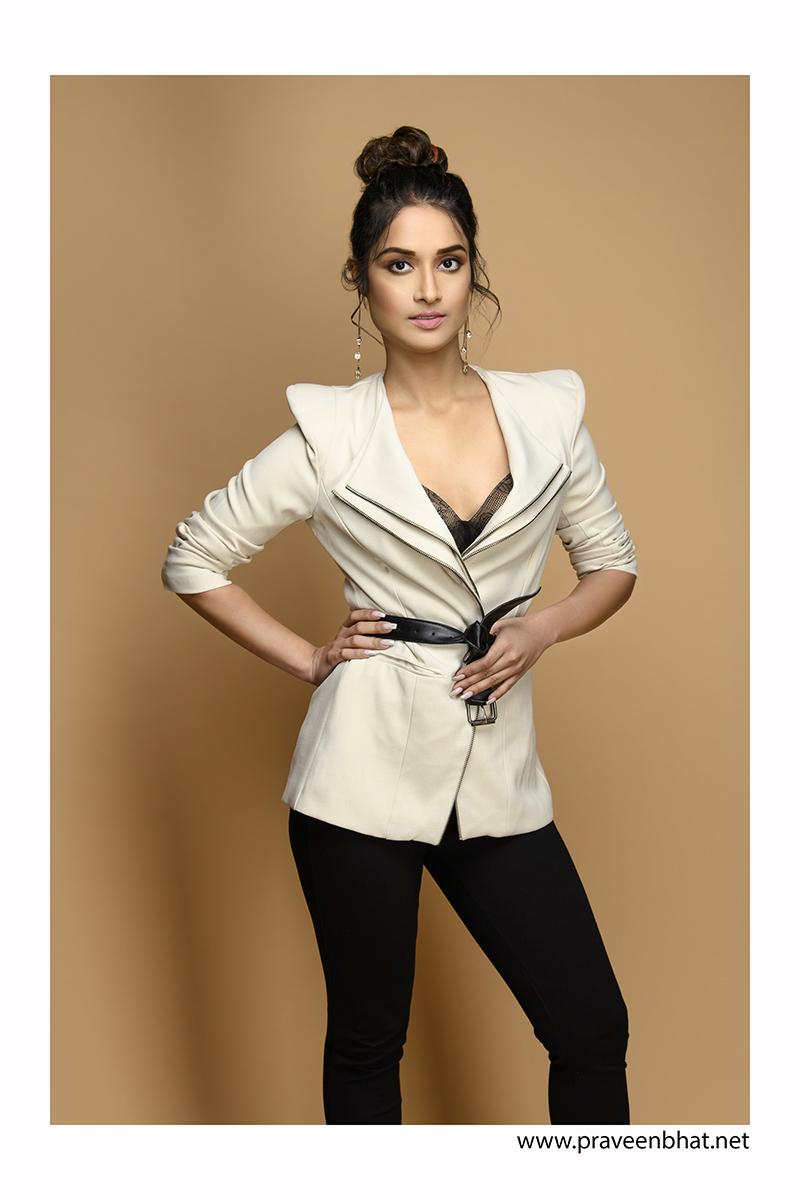 Indian Female Models | Hot Indian models Portfolio